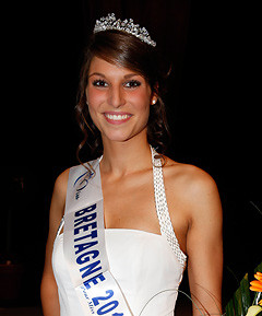 juste.......... - Page 19 Miss-bretagne-2010-laury-thilleman-election-candidate-miss-10342937vjzjd_1879