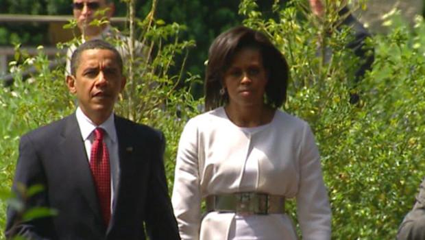 Barack et Michelle Obama arrivant au cimetière de Colleville-sur-Mer (6 juin 2009)