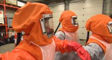 Le 20 heures du 30 octobre 2014 : Ebola : qui sont les r�rvistes sanitaires qu%u2019envoie la France ? - 1085.893