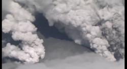 Le 13 heures du 27 septembre 2014 : Eruption volcanique dans le centre du Japon - 345.369