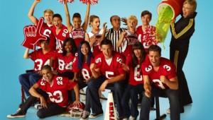 Glee - Saison 2. Série créée par Ryan Murphy, Brad Falchuk, Ian Brennan en 2009. Avec : Matthew Morrison, Kevin Mc Hale, Lea Michele et Jane Lynch.