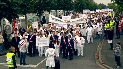 Le 20 heures du 25 octobre 2014 : Manifestation �a Ch�e contre la fermeture d%u2019une usine - 222.463