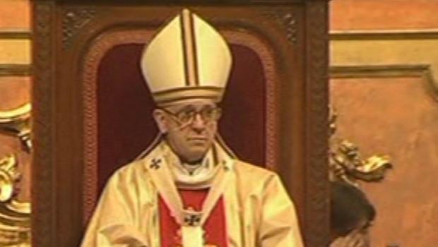 Le Pape François, alors Cardinal Jorge Mario Bergoglio lors d'un service à la Cathédrale de Buenos Aires, le 24 mars 2005.