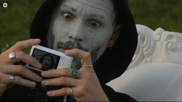 Steph s'est trompé de thème, ce n'est pas selfie effrayant.