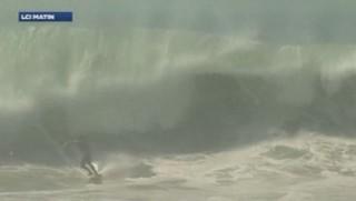 Californie : des vagues de 6 mètres pour les surfeurs après un ouragan