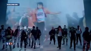 Hommage à Michael Jackson : des fans, des fleurs et Justin Timberlake