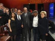 Le 20 heures du 21 novembre 2014 : Jacques Chirac ovationn� la remise des prix de sa Fondation - 246.59310446166995