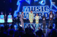 NRJ Music Awards : Stromae et Will I am sur Papaoutai