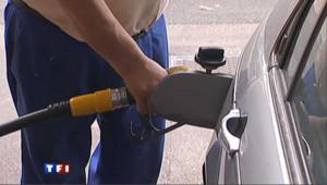Prix du carburant : le gouvernement met la pression