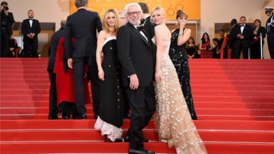 Vanessa Paradis, Donald Sutherland et Kirsten Dunst pour la clôture du festival de Cannes 2016
