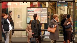 bus arrêt ratp transport commun ligne attente
