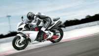 Yamaha YZF R1 2009 - En action 03