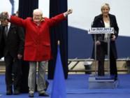 Jean-Marie Le Pen et sa fille Marine, le 1er mai 2015.