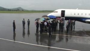 Jimmy Carter s'apprêtant à quitter la Corée du Nord après une visite humanitaire (27 août 2010)