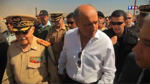 Laurent Fabius visite un camp de réfugiés syriens