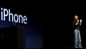 Steve Jobs présente l'iPhone 4 en juin 2010