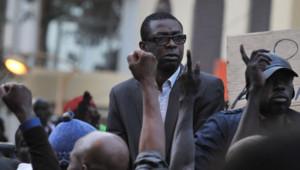 Youssou Ndour participe à une manifestation à Dakar, 21/2/12