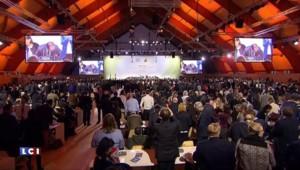 Cop 21 : Un accord historique pour Fabius et Hollande