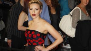 Scarlett Johansson à l'avant-première du film Avengers en avril 2012 à Londres
