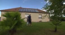 Le 13 heures du 18 septembre 2014 : Ils d�ndent les victimes d'arnaques au photovolta�e - 1556.5