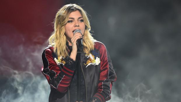 Louane lors des Victoires de la musique, le 12 février 2016.