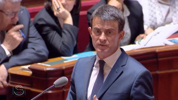 """Valls: """"On ne peut pas bloquer un pays, on ne peut pas s'en prendre ainsi aux intérêts économiques de la France"""""""