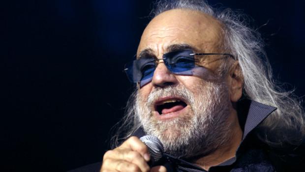 Le chanteur et musicien Demis Roussos en décembre 2006