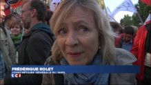 Paris : des milliers de personnes manifestent contre la réforme du collège