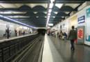 metro paris ratp gens attente quai
