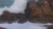 En Bretagne, la mer s'agite, les rafales de vents atteignent les 140 km/h