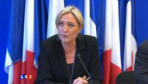 """Marine Le Pen: """"le gouvernement se refuse à faire certaines économies"""""""