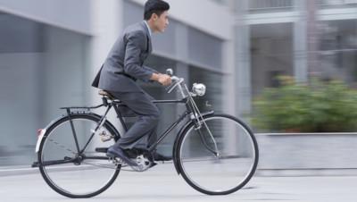 vélo cycliste deux-roues salarie employé homme prétexte