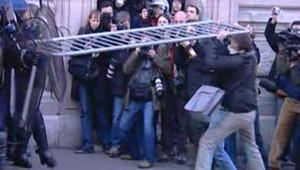 CPE : affrontements place de la Sorbonne