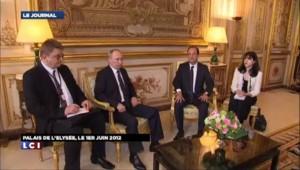 Nicolas Sarkozy perturbe l'agenda de François Hollande