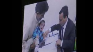 """Au Pakistan, un bébé de 9 mois a comparu deva,t la justice avec une trentaine d'autres personnes pour """"tentative de meurtres""""."""