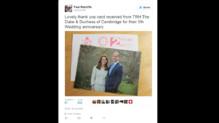 La carte de Kate Middleton et du Prince William pour remercier les britanniques leur ayant souhaité leur cinquième anniversaire de mariage.