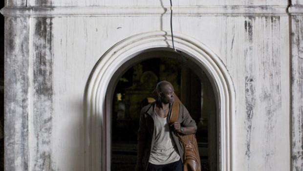 Bangkok Revenge. Un film de Prachya Pinkaew. Avec : Kevin Bacon, Djimon Hounsou, Sortie DVD et Blu-ray le 24 novembre 2011.