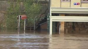 Montignac : après les inondations, l'heure du grand nettoyage