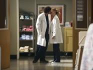 Patrick Demspey et Ellen Pompeo dans la saison 9 de Grey's Anatomy. Une série créée par Shonda Rhimes.