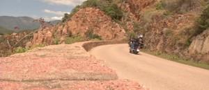 Entre mer et montagne, la Corse... en moto