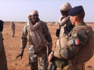 Le 13 heures du 29 octobre 2014 : Mali : l%u2019arm�fran�se renforce sa lutte contre les jihadistes du Sahel - 970.769603149414