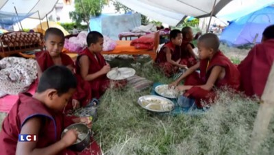 Népal : retour à Katmandou, un mois après le séisme