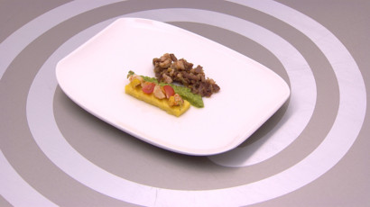 Langue de veau, sauce condiments et anchois, asperges émulsion orange