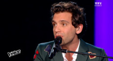 "Mika interprete en direct son nouveau titre ""Good Guys"""