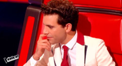 Mika face à ses choix dans The Voice