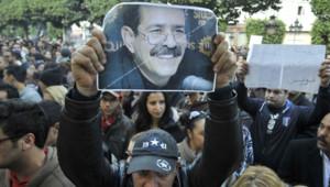 Tunisie : manifestation en hommage à Chokri Belaïd, quelques heures après son assassinat, Tunis, 6/2/13