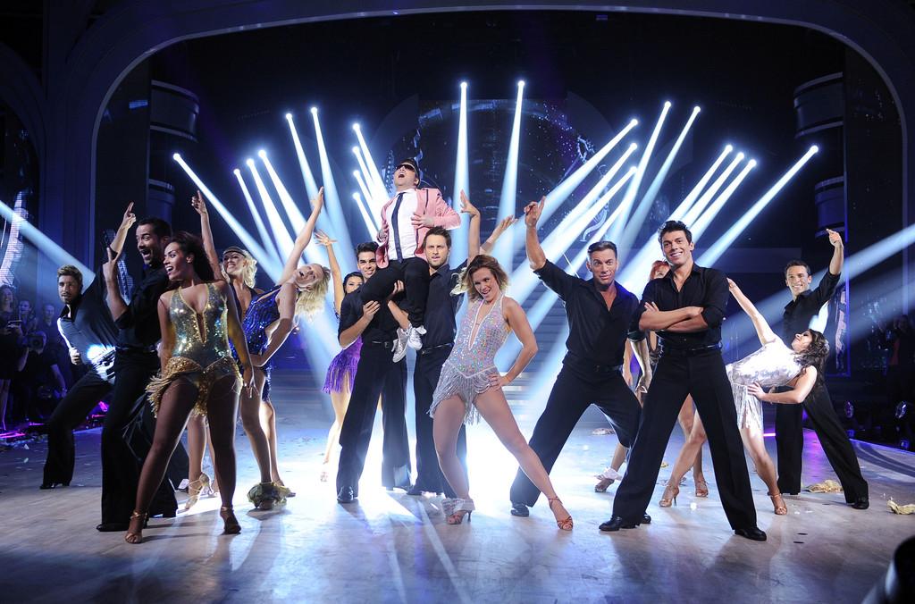 http://s.tf1.fr/mmdia/i/97/6/danseaveclesstars3-prime-6-10804976wbpyt.jpg?v=1