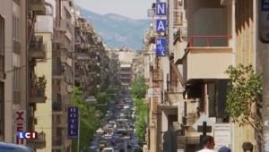 Grèce : le Quai d'Orsay conseille aux touristes d'emporter du liquide