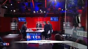 """François Bayrou : """"Moi je ne sais pas qui est Emmanuel Macron"""""""