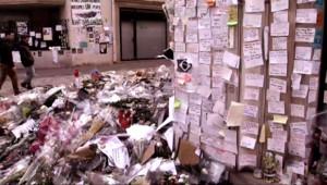 Le 20 heures du 7 février 2015 : Attentats : le siège de Charlie Hebdo et l'épicerie cacher deviennent des lieux de mémoire - 1333.926